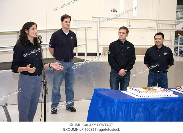 NASA astronaut Sunita Williams, Expedition 32 flight engineer and Expedition 33 commander, speaks to a crowd during a cake-cutting ceremony in the Jake Garn...