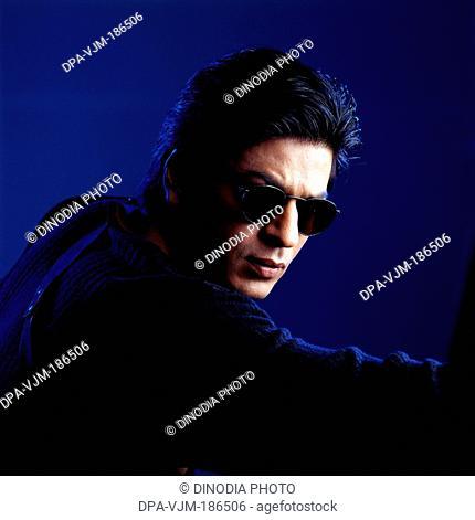 2000 Shahrukh Khan wearing sunglasses