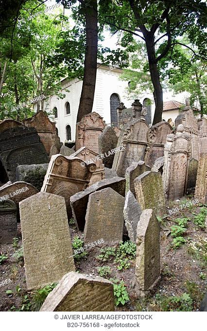 Old Jewish Cemetery, Josefov Jewish quarter, Prague, Czech Republic