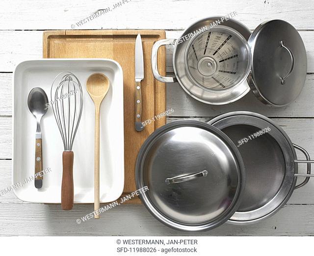 Kitchen utensils for preparing vegetable gratin with spelt semolina