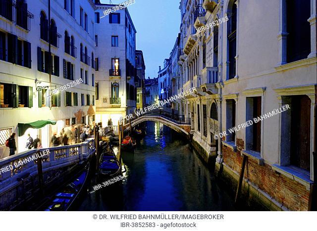 Twilight on the Rio de Palazzo o de Canonica, San Marco quarter, Venice, Veneto, Italy