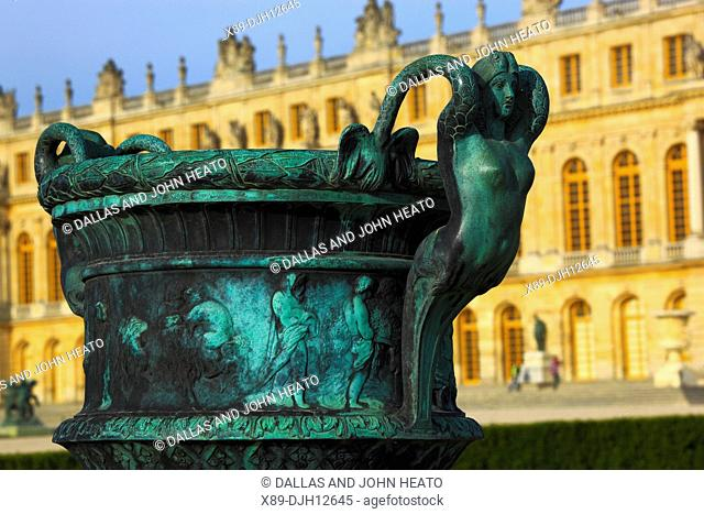 France, Versailles, Château de Versailles, Palace Gardens, Sculptured Vases, Mythical Female Figure