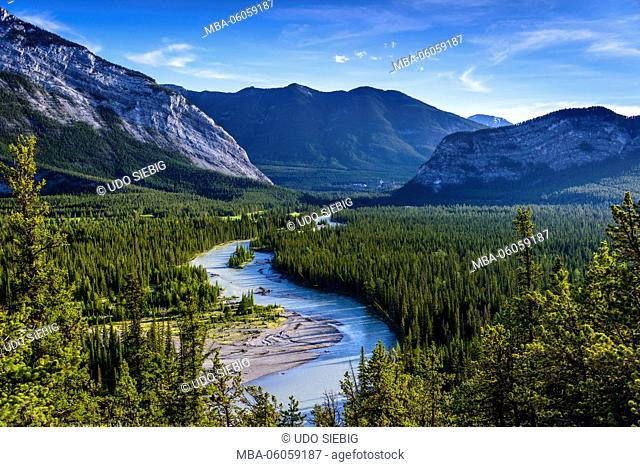 Canada, Alberta, Banff National Park, Banff, Bow River Valley with Sulphur Mountain and Tunnel Mountain, View from Hoodoo Trail