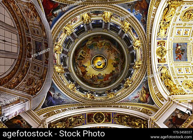 Interior of Sant Isaac's Cathedral or Isaakievskiy Sobor, Sant Petersburg, Russia