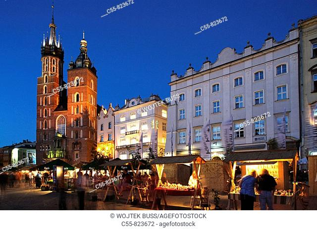 Great Market Square or Main Square, Basilica of the Virgin Mary's, 14th century, Gothic Cathedral , Cracow, Krakow, Poland