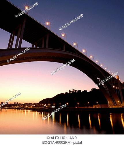 Ponte da Arrabida at sunset