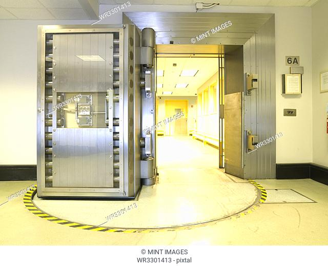 Open vault door the US Federal Reserve Bank of Chicago strong room