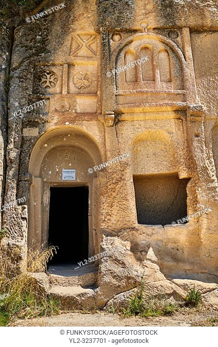 "Pictures & images of Kalburlu (St. Epthemios) church decorative sculptures, 9th century, the Vadisi Monastery Valley, ""Manast?r Vadisi"", of the Ihlara Valley"