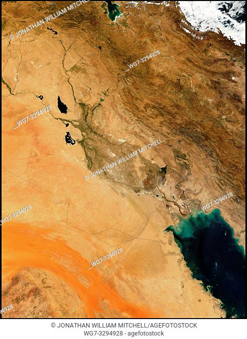 EARTH Iraq -- 29 Aug 2001 -- Running through the deserts of Iraq (image center) are the Tigris (right) and Euphrates (left) Rivers