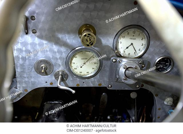 Bugatti 51 A, blue, model year 1931-36, vintage car, 1930s, thirties, detail, details, tachometer, interior, Cockpit, technics, technical, technically