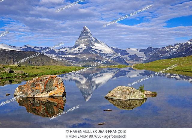 Switzerland, Canton of Valais, Zermatt, Matterhorn (4478m) from Stellisee lake