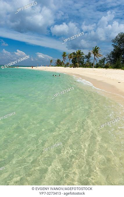 Crystal clear shore on Ko Lipe island, Thailand