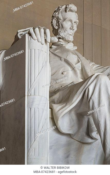 USA, District of Columbia, Washington, The Lincoln Memorial, statue of President Abraham Lincoln