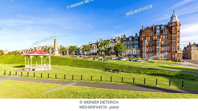 Scotland, Fife, St. Andrews, waterfront promenade