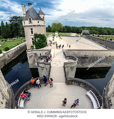 Europe France Chenonceaux : 2019-07 Entrance to the castle of Chenonceau showing itâ. . s motte filled with water