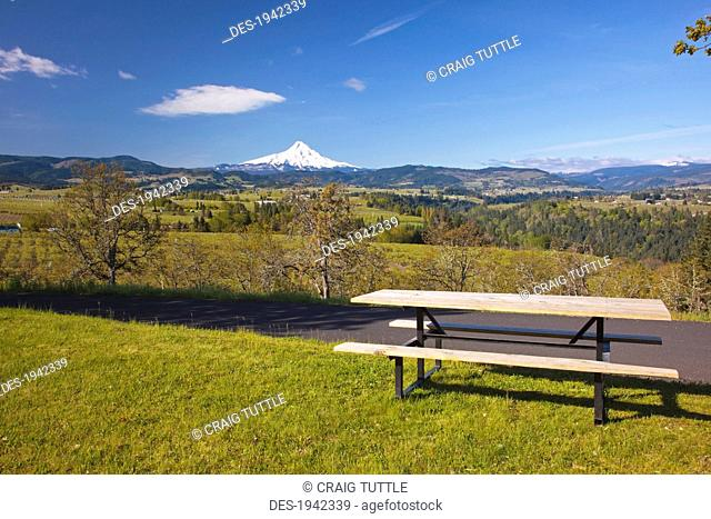 a view of mount hood from panorama park and hood river valley, oregon united states of america