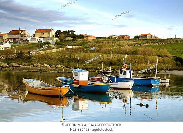 Fishing boats at La Maruca beach, Santander, Cantabria, Spain
