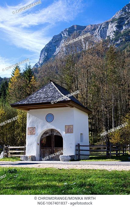 Antonius Chapel near lake Hintersee, Ramsau near Bechtesgaden, Berchtesgaden Nation Park, Berchtesgadener Land, Upper Bavaria, Bavaria, Germany, Europe