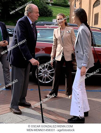 Spanish King Juan Carlos and his daugther, Infanta Elena attend the San Isidro bullfighting fair in Las Ventas bullring in Madrid Featuring: Elena de Borbon