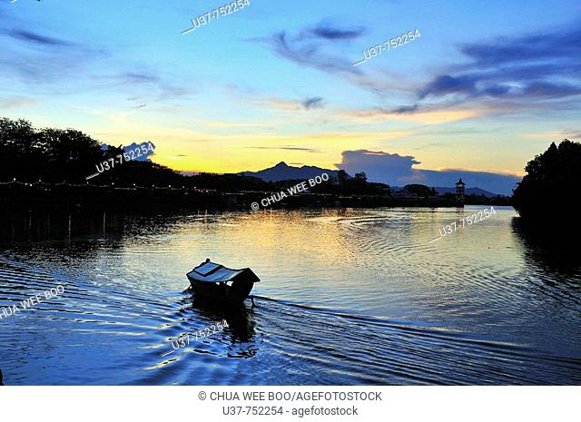 Beatifuf susnset at Kuching Water Front