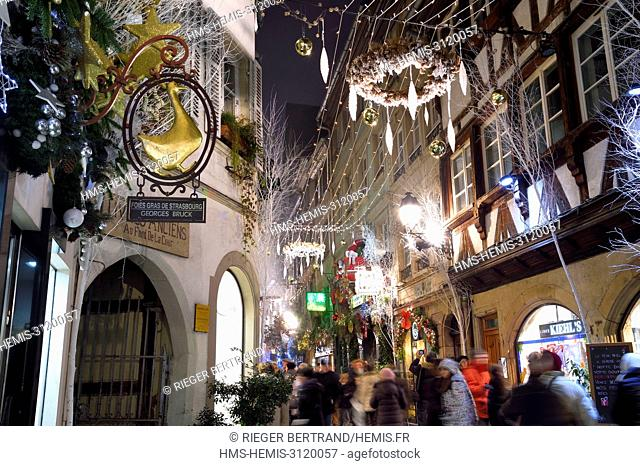 France, Bas Rhin, Strasbourg, old town listed as World Heritage by UNESCO, christmas decorations on rue des Orfèvres