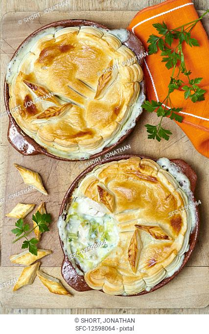 Chicken pies with leek and parsley