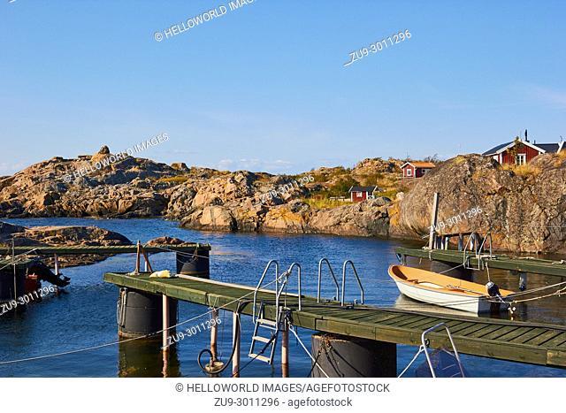 Rustic harbour scene on the Baltic Sea coast, Stockholm archipelago, Sweden, Scandinavia
