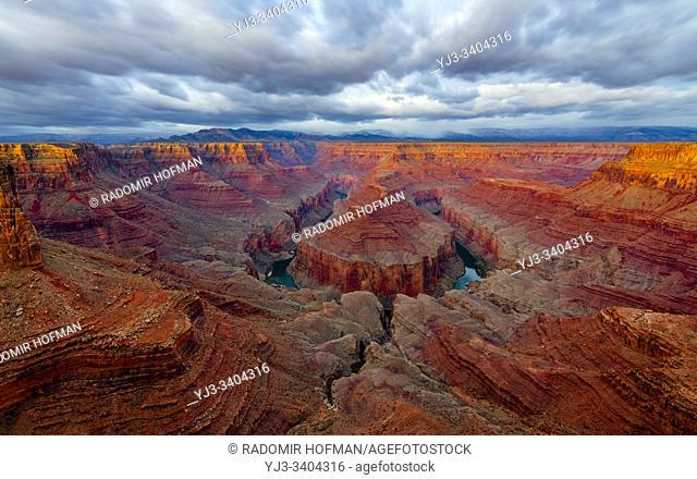 Tatahatso Point, view on the Colorado river, northern Arizona, USA