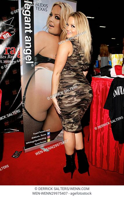 Exxxotica Expo 2016 New Jersey At The New Jersey Convention And Exposition Center Featuring Alexis