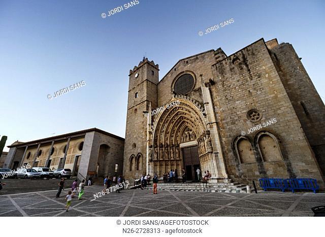Basilica de Santa Maria. Gothic. XIII-XV centuries. Castello d'Empuries