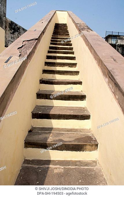 Observatory steps madan mohan ghat, varanasi, uttar pradesh, india, asia