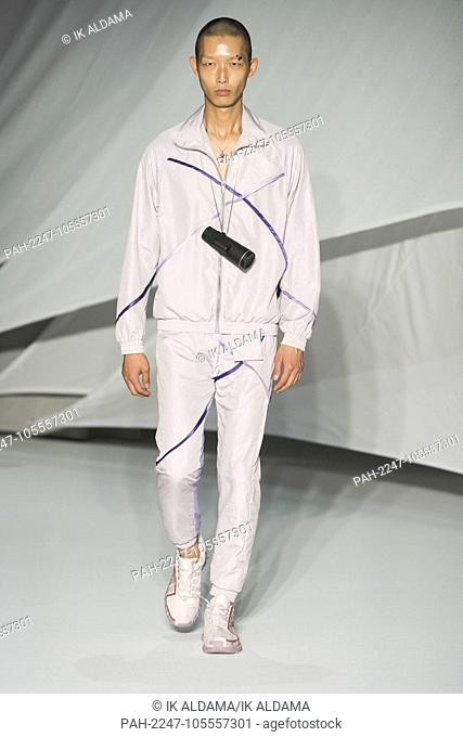 COTTWEILER runway during LFWM June 2018. Spring/Summer 2019 Collection. London, UK. 10/06/2018 | usage worldwide. - London/United Kingdom of Great Britain and...
