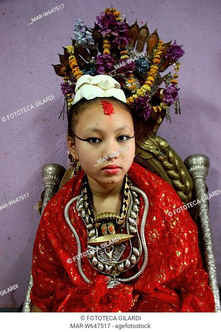 NEPAL Ritratto di kumari nepalese. La kumari (presente in ogni città del Nepal) è una dea vivente induista. Scelta in tenerissima età