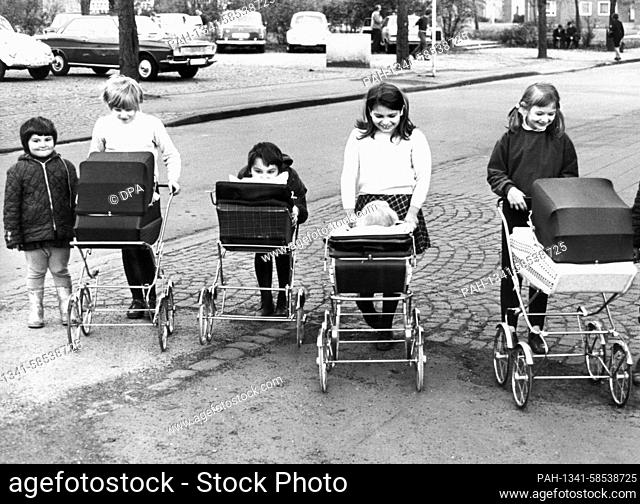 At the beginning of April 1970, a group of young girls went on an excursion with their doll's prams in a town in the Rhineland. | usage worldwide