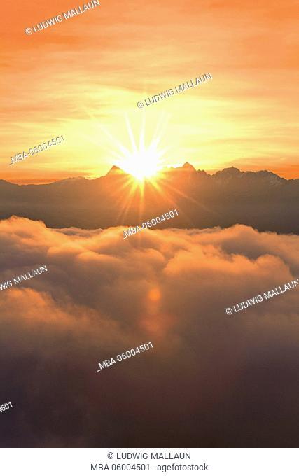 Austria, Tyrol, Pitztal (valley), sunrise with the Wildgrat