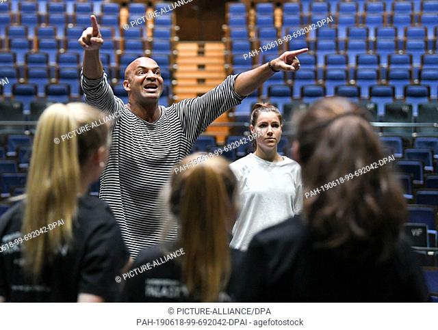 17 June 2019, Berlin: Star choreographer Detlef Soost trains with the young ensemble from the Friedrichstadt-Palast at rehearsals for Europe's biggest...