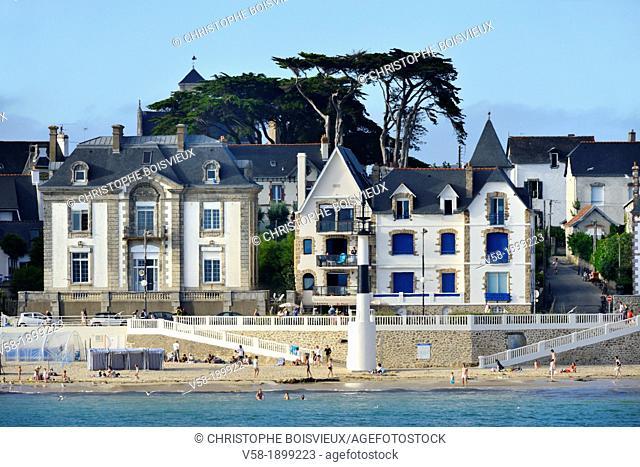 France, Brittany, Morbiha, Quiberon, View of beach