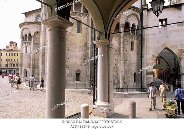 Italy - Emilia Romagna - Modena. Piazza Grande, arcades