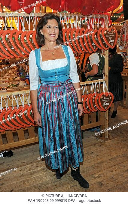 23 September 2019, Bavaria, Munich: Ilse Aigner (CSU), President of the Bavarian State Parliament, is a guest at the traditional Regine Sixt Ladies' Fair in the...