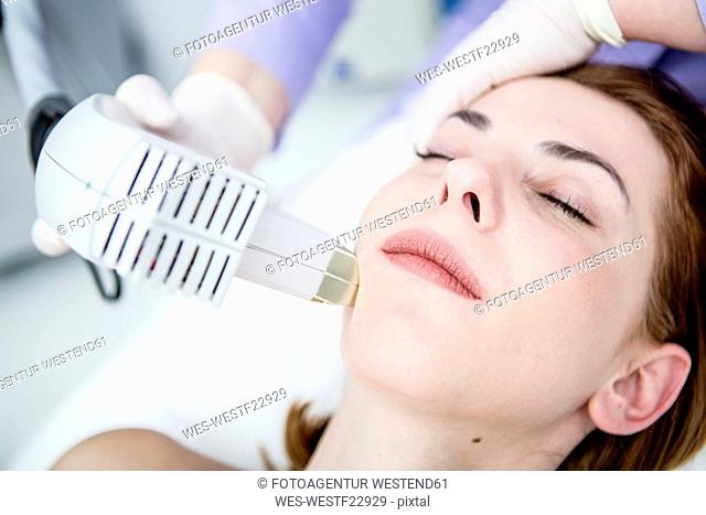 Aesthetic surgery, infrared light treatment, photolifting