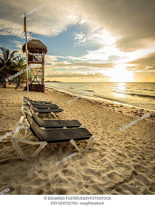 Sunrise in the beachs of Riviera Maya