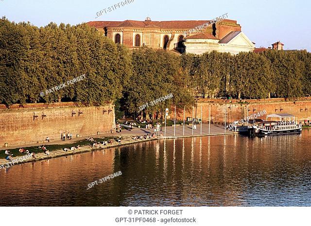 PLACE DE LA DAURADE ON THE BANKS OF THE GARONNE, CITY OF TOULOUSE, HAUTE-GARONNE 31, FRANCE
