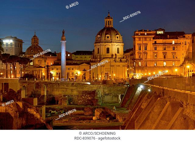 Kirche Santissimo Nome di Maria al Foro Traiano, Trajanssaeule, Trajansforum, Augustusforum, Rom, Italien