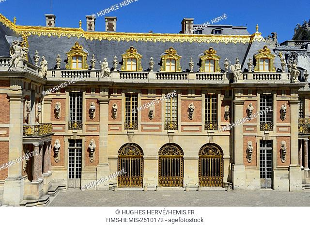 France, Yvelines, Chateau de Versailles, listed as World Heritage by UNESCO, the Cour de Marbre (Marble Courtyard)