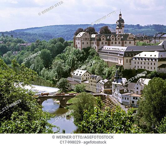 Germany, Weilburg, Lahn, Lahn valley, Westerwald, Taunus, nature reserve Hoch-Taunus, Hesse, panoramic view with Lahn river and castle, baroque, renaissance