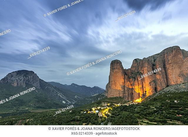 Mallos de Riglos at sunset, Riglos, La Hoya, Huesca, Spain