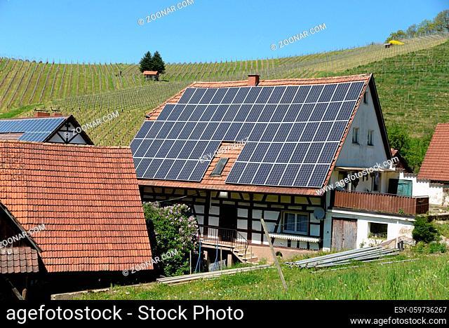 haus, häsuer, solar, solarzellen, solaranlage, solaranlagen, Oberkirch, schwarzwald, baden-württemberg, deutschland, architektur, dorf, ort, ortschaft, stadt