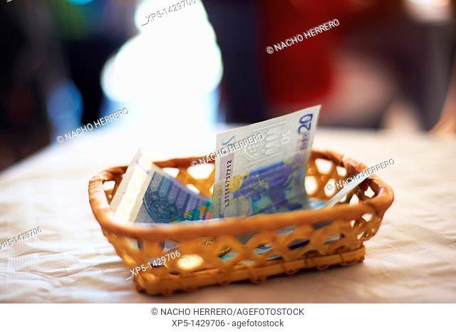 20 euro bills