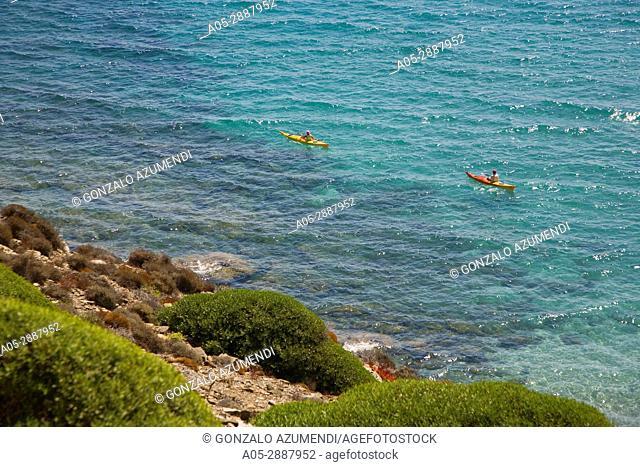 Way to Turtle Beach. Sa Albufera des Grau Natural Park. Camino a la Playa Tortuga. Parque Natural Sa Albufera des Grau. Minorca. Balearic Islands