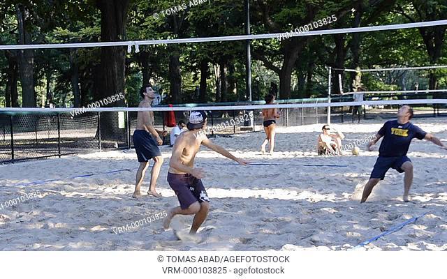 Central Park volleyball palyers, New York City, Manhattan, USA